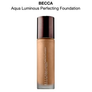 Becca aqua luminous foundation